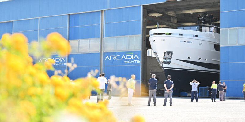 LAUNCH OF THE FIFTH ARCADIA A115