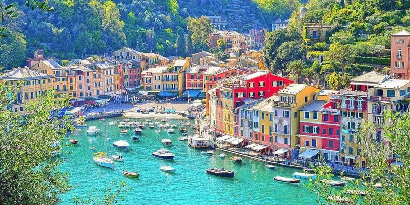 Discover the magic of the Italian Riviera with a rented yacht